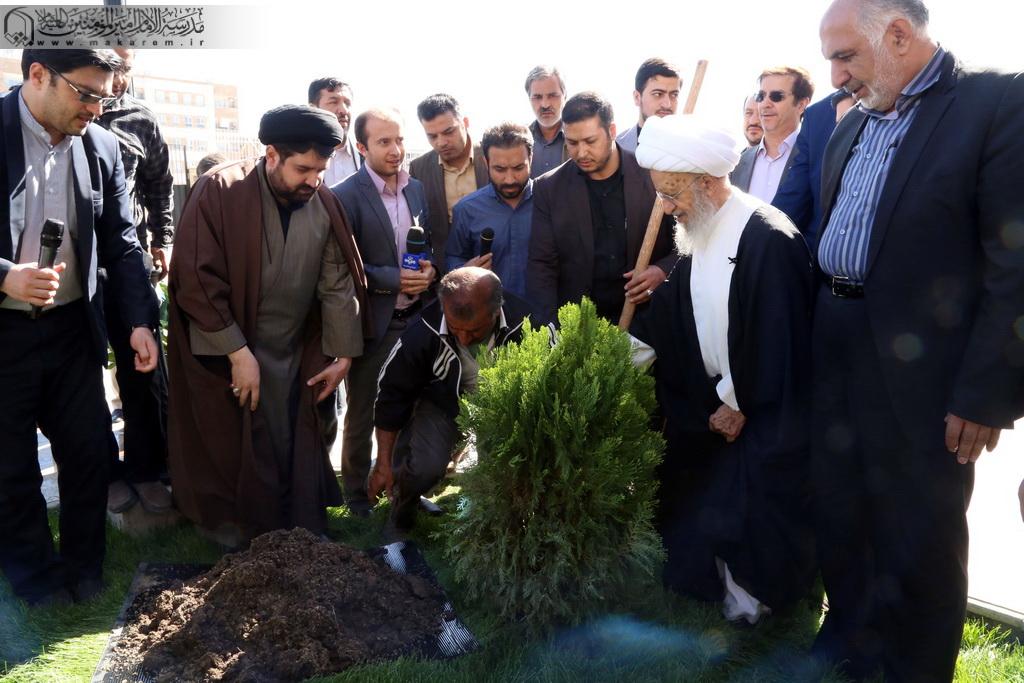 Atətullah Məkarim Şirazi ağacəkmə -05