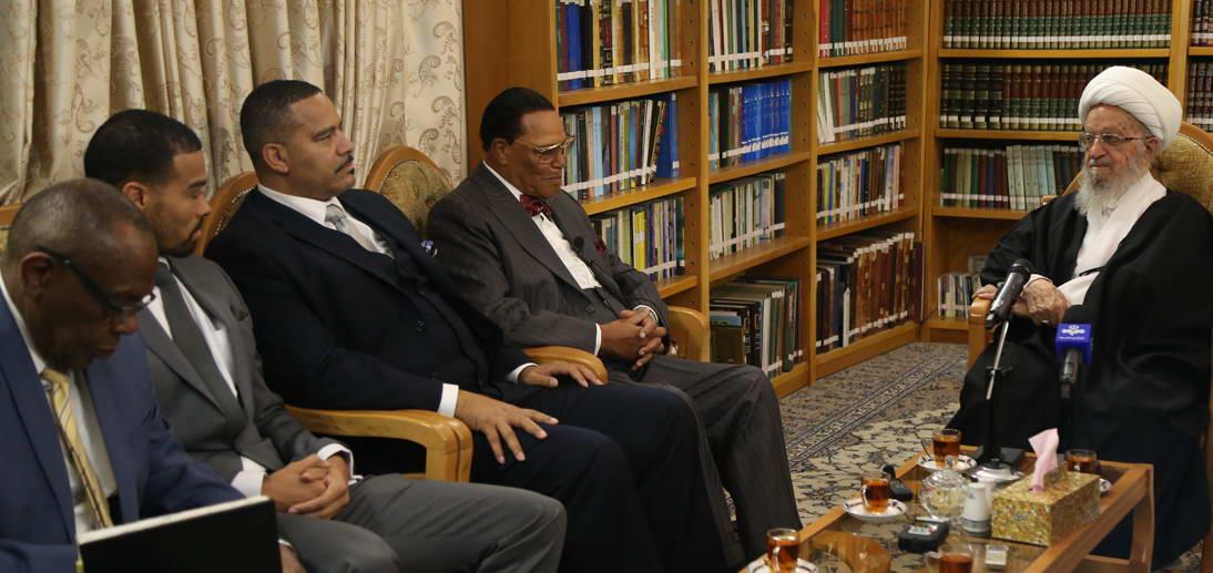 معظم له در دیدار رهبر جنبش امت اسلام در آمریکا/رئیس جمهور آمریکا گرفتار یک مشت اوهام و خیالات است