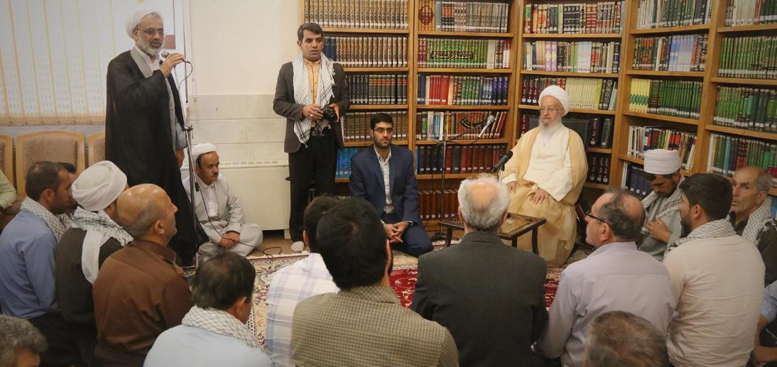 معظم له در دیدار شماری از علمای اهل سنت کردستان